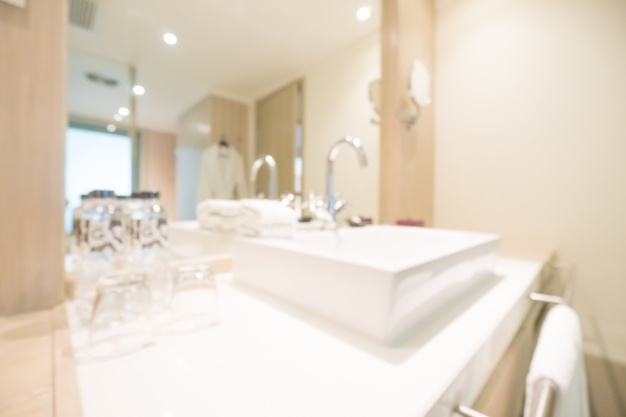 selitev in čiščenje sanitarij v poslovnih prostorih